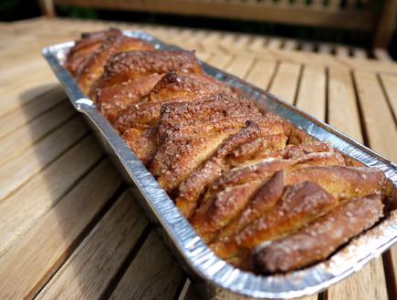מבשל ואוכל ריבועי קינמון קרמל 2 (צילום: גיל גוטקין, מבשל ואוכל)