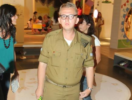אלכס מורוזוב במדים (צילום: אלעד דיין)