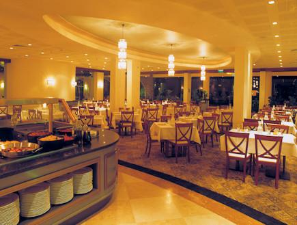 ארוחת בוקר במלון רימונים גלי כנרת (יח``צ: האתר הרשמי)