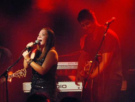 עידן עמדי, דיאנה גולבי, הופעה (צילום: אלעד דיין)
