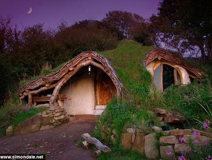 בית הוביטים 2 (צילום: צילום מסך אתר dailymail, MailOnline)