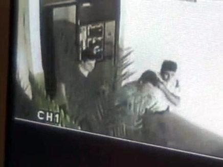"""כך נעצר האנס מראשל""""צ (צילום: חדשות 2)"""