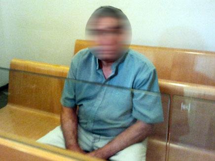 עובד סוציאלי חשוד באונס בן 14 (צילום: חדשות 2)