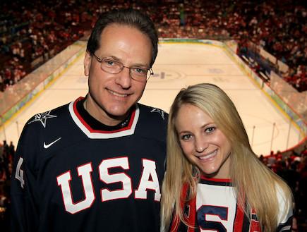 הנרי סמואלי עם בתו ג'יליאן סמואלי  (צילום: Christian Petersen, GettyImages IL)