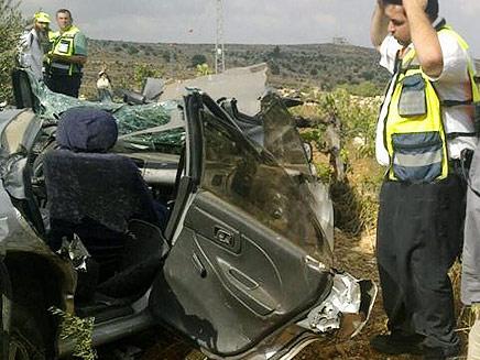 תאונת דרכים בקריית ארבע (צילום: חדשות 2)