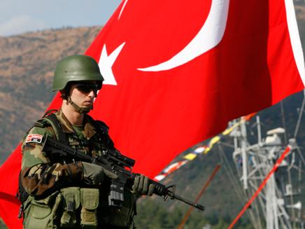הצי הטורקי בפעולה (צילום: רויטרס)