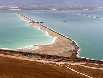 בריכות האידוי באגן הדרומי של ים המלח (צילום: mako)