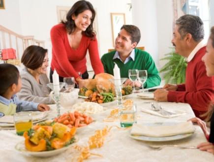 ארוחת חג (צילום: Monkey Business Images, Istock)