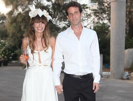 חתונה גיא המאירי - גיא המאירי ואשתו (צילום: ראובן שניידר)