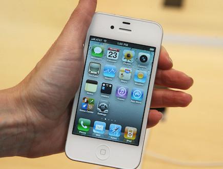 אייפון 4 לבן (צילום: Daniel Barry, GettyImages IL)