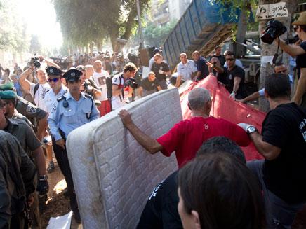 תגרה אלימה ברוטשילד. ארכיון (צילום: AP)