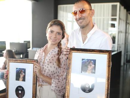 שמעון בוסקילה ושירי מימון אלבום זהב (צילום: ראובן שניידר)