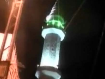 שומרים על המסגדים (צילום: חדשות 2)