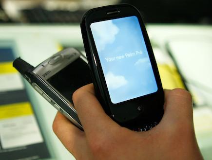 טלפונים סלולריים (צילום: Alex Wong, GettyImages IL)