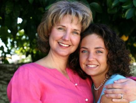 אמא ובת (צילום: istockphoto)