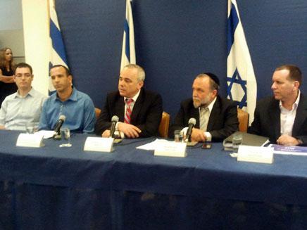 שטייניץ, סגנו יצחק כהן ואילן לוין, היום (צילום: יוסי זילברמן, חדשות 2)