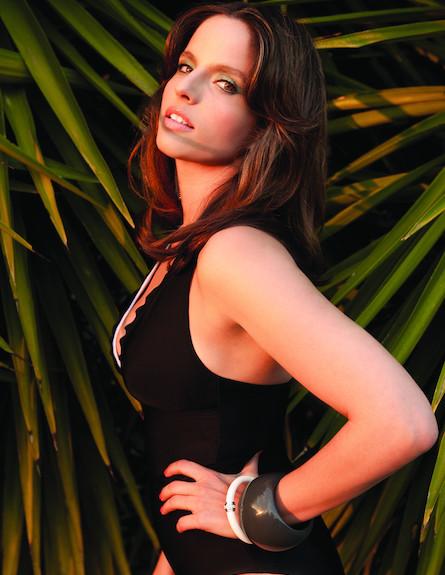 נועה תשבי מתוך קטלוג קיץ 2011 של ml- הישראלית הסקס