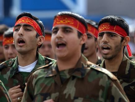 חיילים איראנים (צילום: Majid, GettyImages IL)