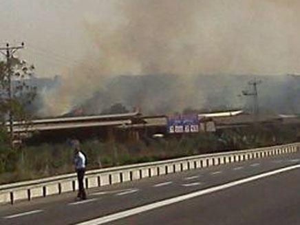 אחת השריפות, אתמול (צילום: ממלא מקום דובר מחוז חוף)