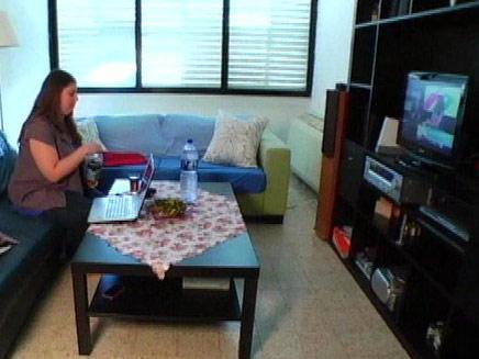 אלו הישראלים שמכורים לטלוויזיה (צילום: חדשות 2)