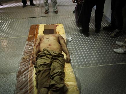 גופתו של קדאפי (צילום: חדשות 2)