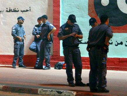 השוטרים נערכים למשחק בדוחא (יניב גונן) (צילום: מערכת ONE)