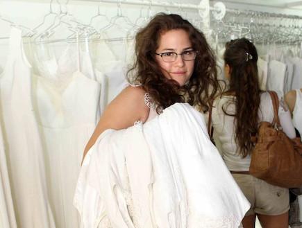 מירי פרקס במכירה מיוחדת של הילה גאון 2011 (צילום: עודד קרני)