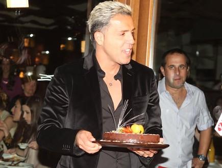 קובי פרץ חוגג יום הולדת (צילום: ראובן שניידר )
