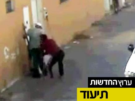 תיעוד השוד במצלמות האבטחה (צילום: משטרת ישראל)