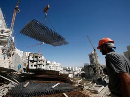 בונים בירושלים. ארכיון (צילום: רויטרס)