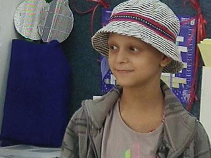 אמילי אימבר ילדה חולת סרטן (צילום: חדשות 2)