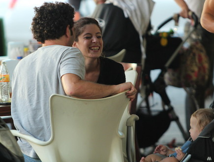 אפרת גוש ויוסי מרשק מאוהבים (צילום: אלעד דיין)