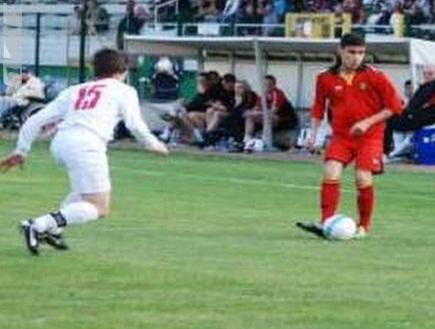 אנדראס פריירה עם הכדור. משגע את היבשת (צילום: מערכת ONE)