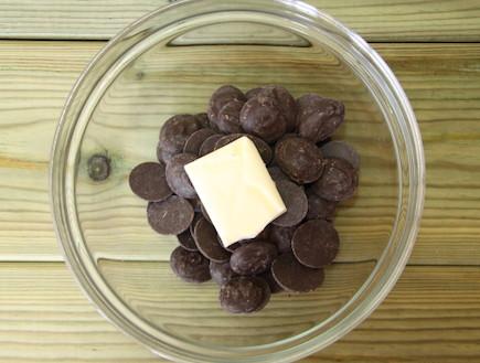 עוגיות שוקולד שוקולד צ'יפס שוקולד עם חמאה (צילום: חן שוקרון, אוכל טוב)