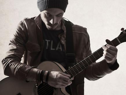 נתן גושן גיטרה (צילום: אוהד רומנו)