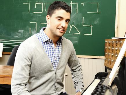משה פרץ בבית ספר למוסיקה (צילום: רונן אקרמן)