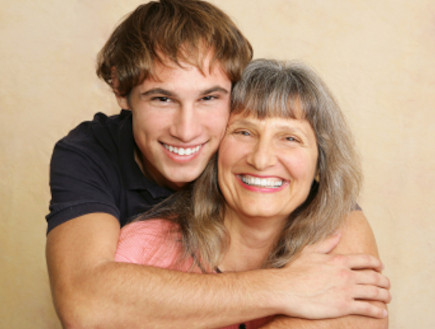 אמא ובן (צילום: lisafx, Istock)
