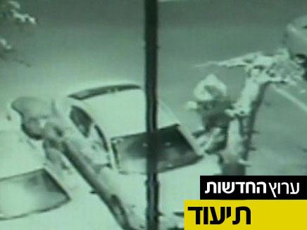 צפו: השחתת רכב מול המצלמה (צילום: חדשות 2)