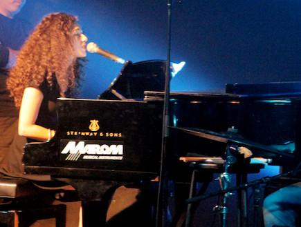 רוני דלומי פסנתר (צילום: אורית פניני)