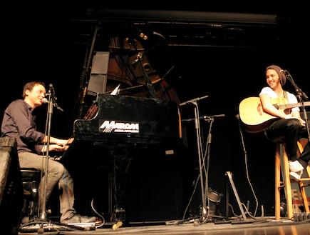 בן ארצי פסנתר (צילום: אורית פניני)