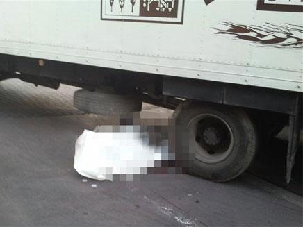 התאונה הקשה בגבעתיים, הבוקר (צילום: HNN.CO.IL)