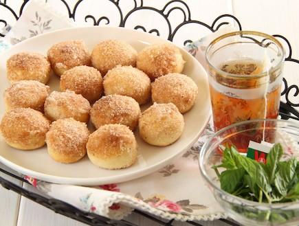 מיני סופגניות סוכר וקינמון אפויות 2 (צילום: חן שוקרון, אוכל טוב)