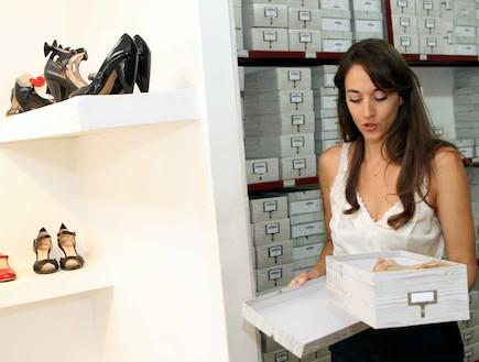 שני בר- מעצבת נעליים