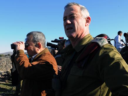 אהוד ברק , בני גנץ (צילום: אריאל חרמוני, משרד הביטחון)