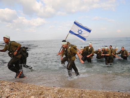 """לוחמי הסטי""""לים (צילום: נועה אדר, עיתון """"במחנה"""")"""