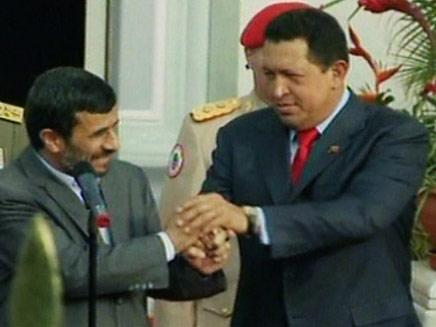 אחמדינג'אד וצ'אבס (צילום: חדשות 2)