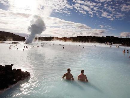 איסלנד - מעיינות חמים (צילום: רויטרס, גלובס)