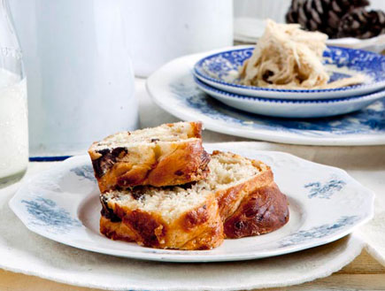 עוגת שמרים חלבה (צילום: דניה ויינר, מתכוניישן)