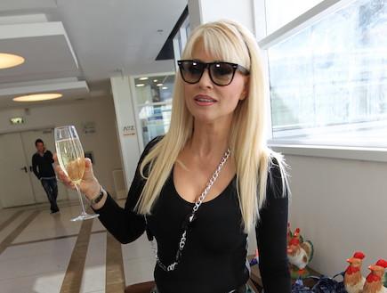פנינה רוזנבלום חוגגת יום הולדת 2011 (צילום: ראובן שניידר )