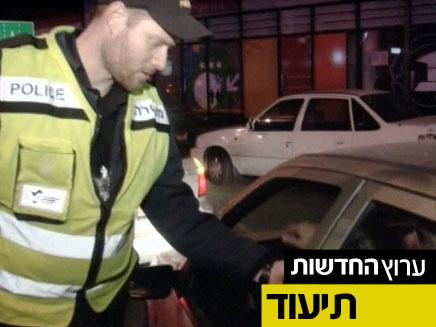 לילה עם שוטרי משטרת התנועה (צילום: חדשות 2)